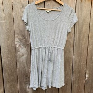 Olive & Oak | Gray Stretchy Cinch Waist Dress